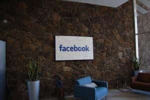 Recepcion oficina Facebook Palo Alto, California